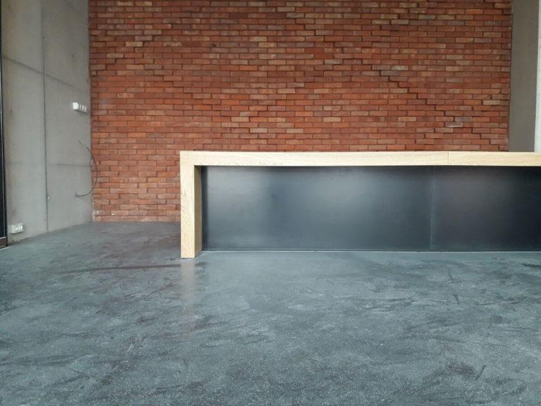 Vipservice: realizacja wyposażenia wnętrz Ratusza w Konstancinie. Wyposażenie 60-ciu pokoi biurowych i Sali Obrad Rady Miejskiej