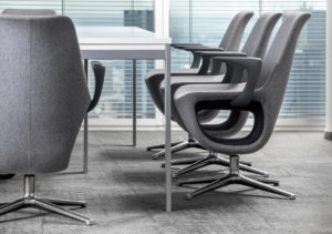 Pelikan fotele do przestrzeni chillout, holu i recepcji. Producent: Profim Dystrybutor: Vipservice