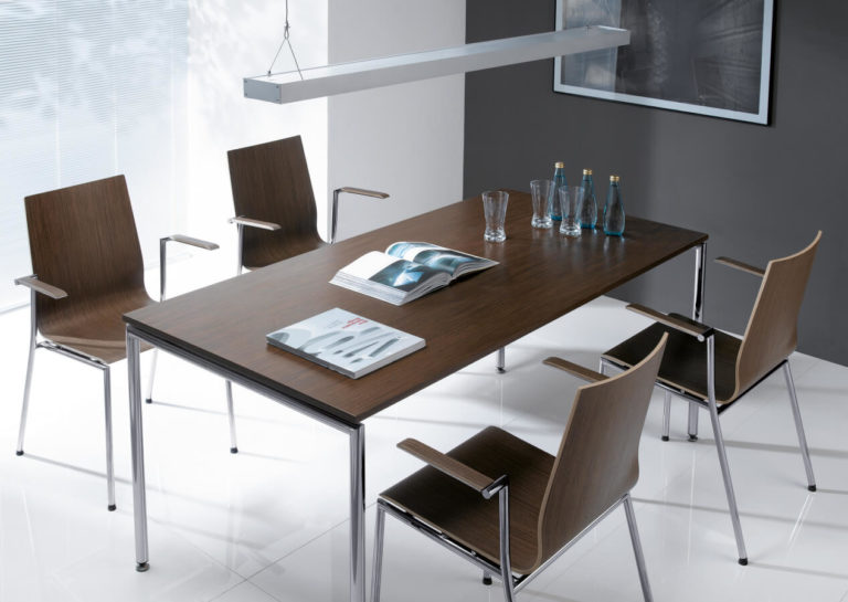 Sensi - krzesła konferencyjne, stoły i hokery. Producent: Profim Dystrybutor: Vipservice