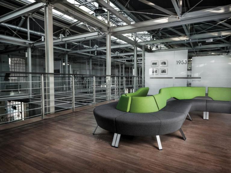 UpDown kolekcja mebli modułowych do przestrzeni biurowych, holi, lounge. Producent: Profim Dystrybutor: Vipservice