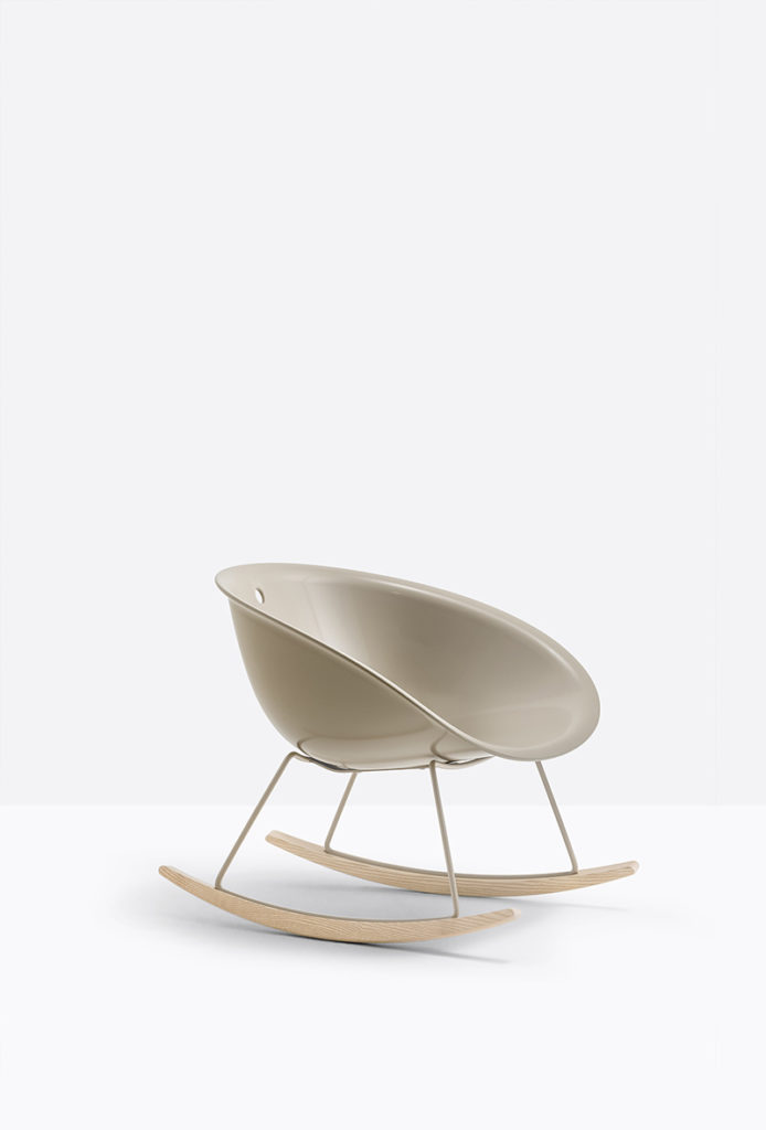 Fotel Gliss - Producent: Pedrali; Dystrybutor: Vipservice - designerskie fotele do biur, hoteli, stref lounge, kuchni i coffee point