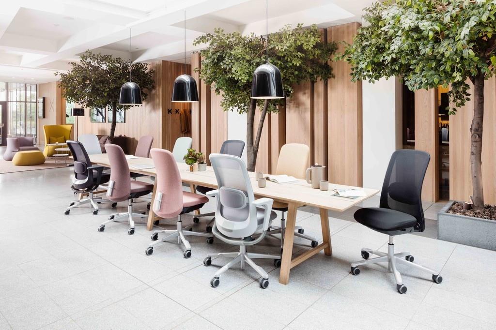 Krzesło HAG Sofi - Producent: Flokk, Dystrybutor: Vipservice. Ergonomiczne i zaawansowane krzesło do biur