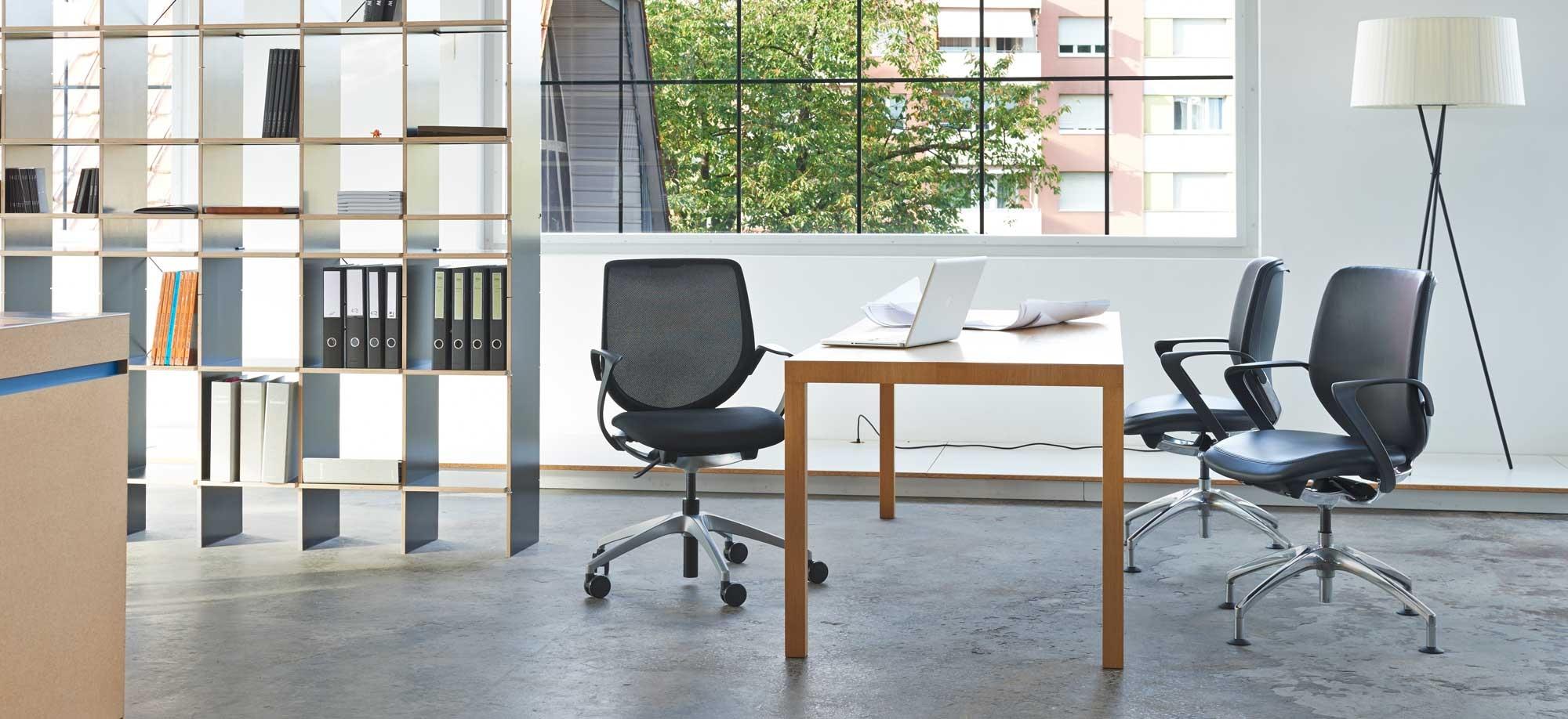 Krzesło Giroflex 313- Producent: Flokk, Dystrybutor: Vipservice. Ergonomiczne i zaawansowane krzesło do biur i przestrzeni coworkingowej