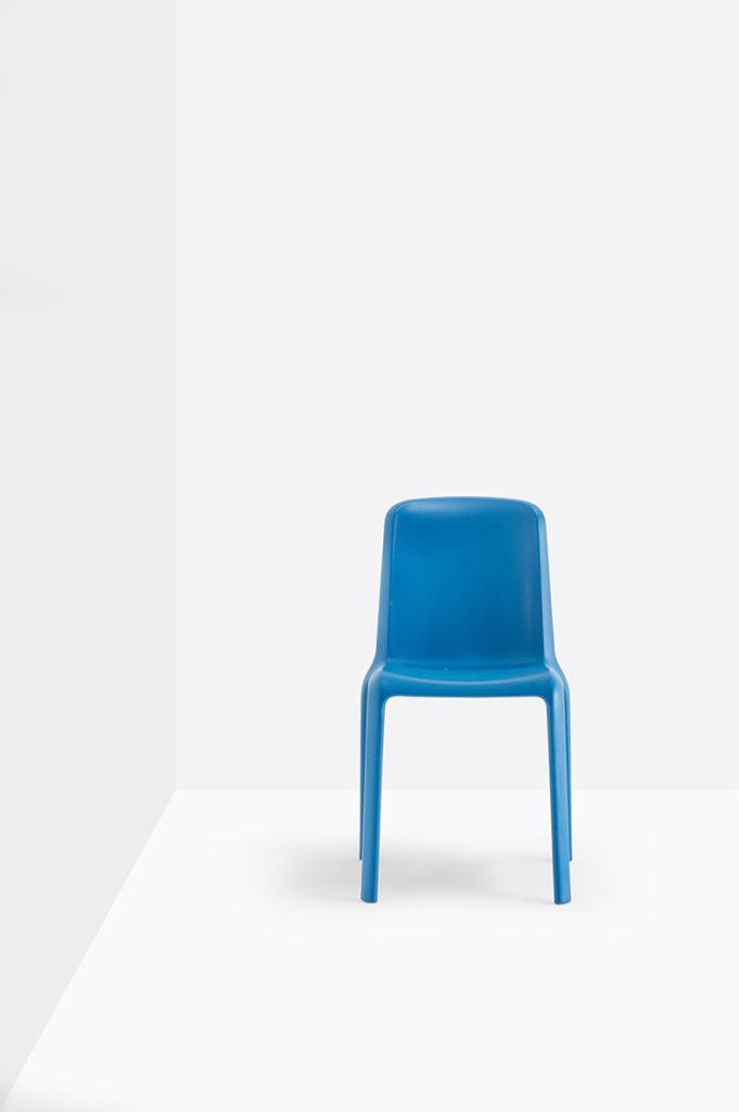 Krzesło Snow - Producent: Pedrali; Dystrybutor: Vipservice - krzesło do biur, stref lounge, coffee point, krzesło na tarasy, do restauracji i hoteli