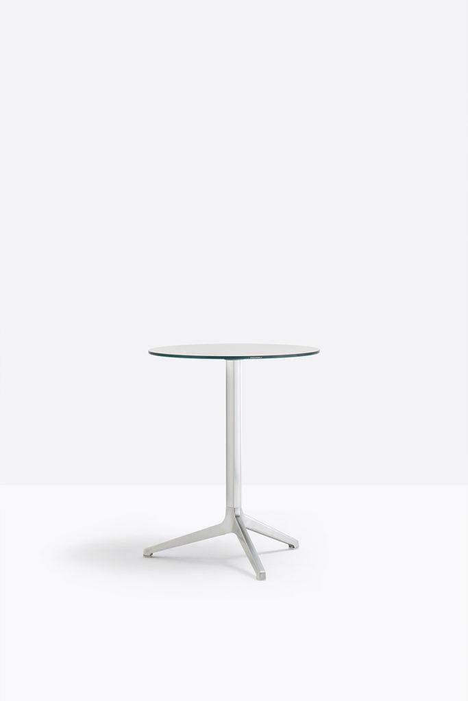 Stolik Ypsilon - Producent: Pedrali, Dystrybutor: Vipservice - stoliki do stosowania na zewnątrz - do ogrodów, restauracji, hoteli, na plaży